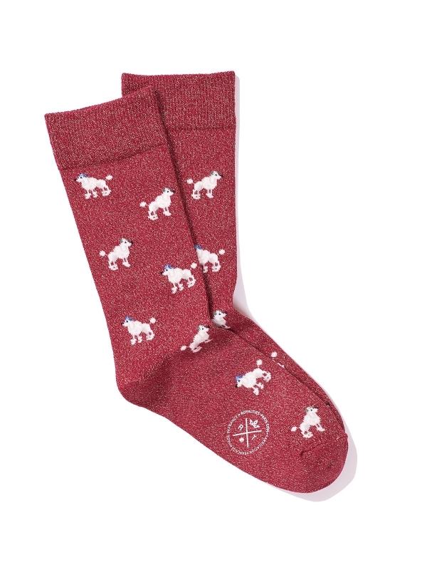 Chaussettes rouge brillantes à motifs de caniche
