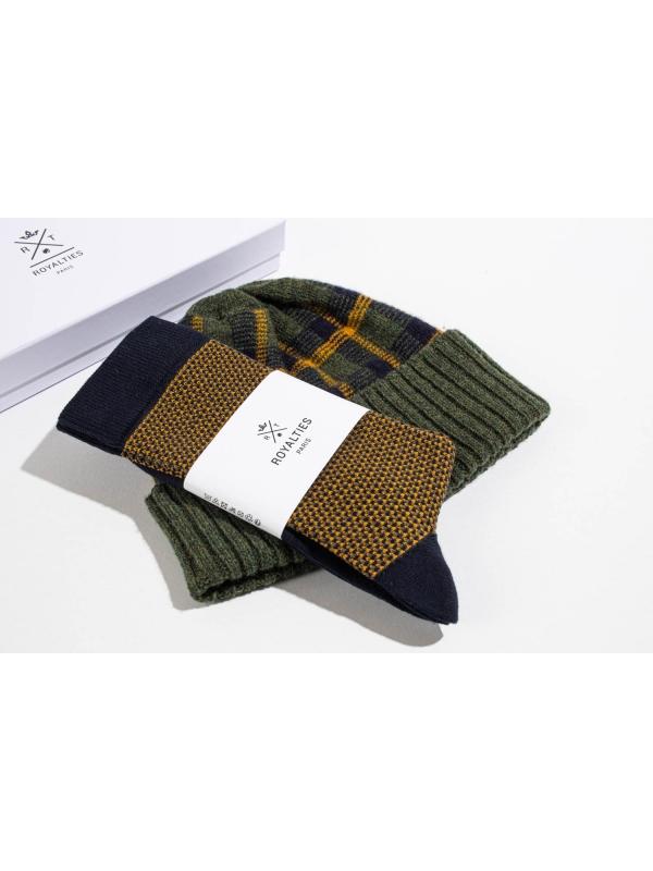 """Coffret duo bonnet tartan kaki et chaussettes à jacquard """"tweed"""" marine"""