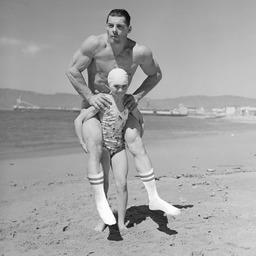Jock with socks  Inspiration et collage autour de l'incontournable chaussette athlétique blanche 👌🏻Avec ses bandes contrastées, en jersey, à côtes ou à torsades: on la revisite toujours et c'est un plaisir de l'intégrer à chacune de nos collections.  ______________  #todaysocks #vintageinspiration #royaltiesparis #socksofinstagram #chaussettesblanches #savoirfaire #fabricationfrancaise