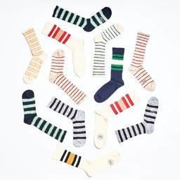 Take Ivy! Heritage socks at Royalties.  DiscoverJAY and JUDE collection.  Nos plus belles chaussettes d'inspiration Ivy sont sur le site actuellement. Elles sont fabriquées sur des machines particulières qui leur donne un look authentique et super chic👌🏻  #heritagesocks #campsocks #stripe #cottonslub #royaltiesparis