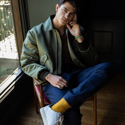3 façons de porter des chaussettes Royalties avec @theoptimist_la...  De la texture et de la couleur sous le ciel de Californie ✨ 3 ways of wearing Royalties socks with style @theoptimist_la 💚🧡💛 🙌🏻#theoptimistla #royaltiessocks #chaussettes #couleurmoutarde #socks #madeinfrance